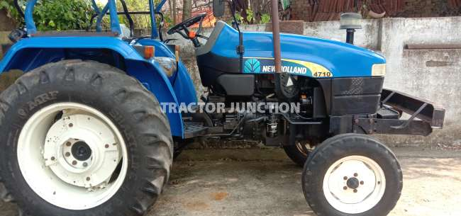 New Holland 4710 2WD WITH CANOPY